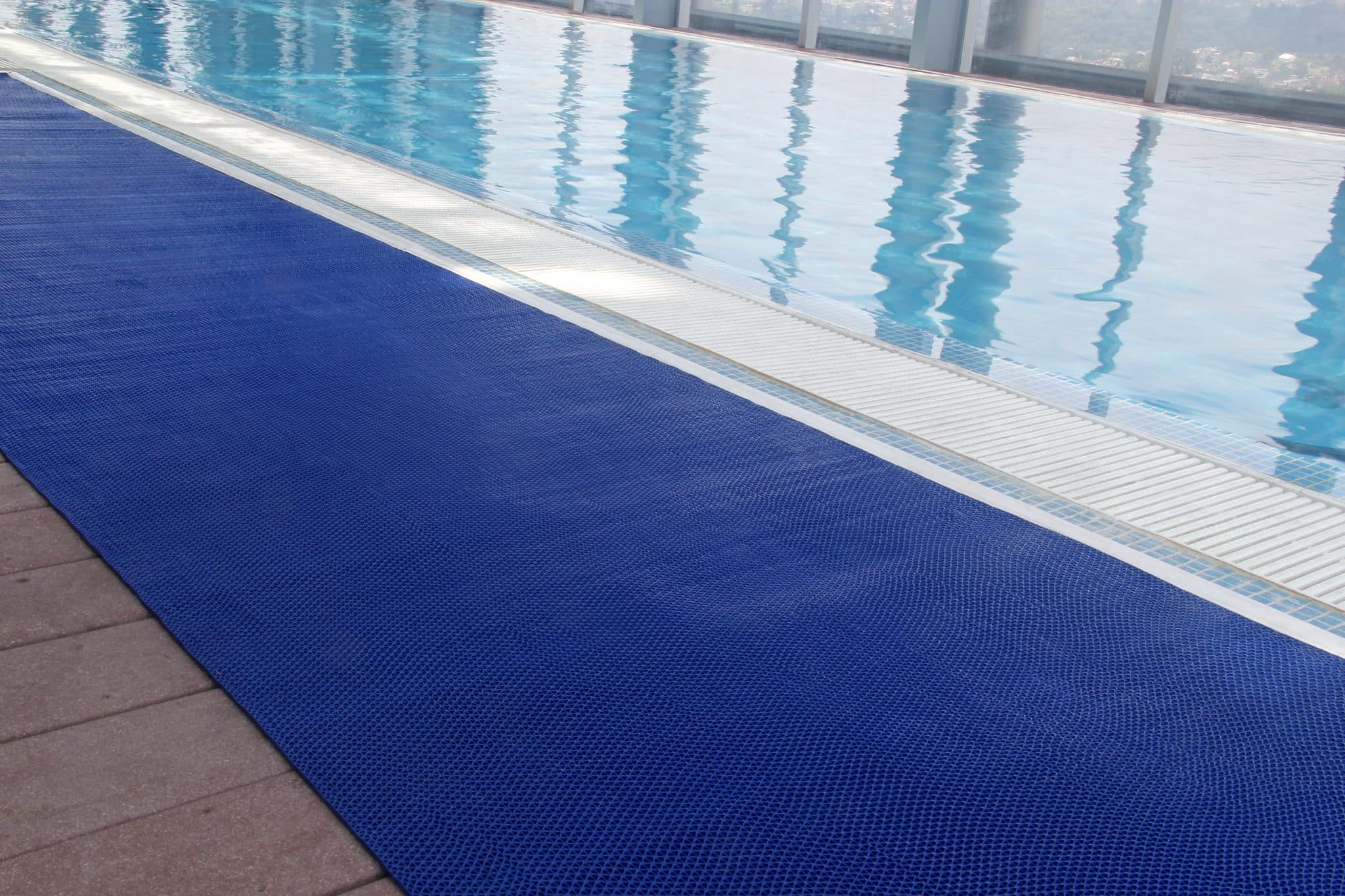 187 Wet Zone Pool Mats