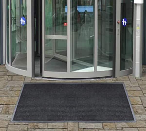 Dual rib entrance mat