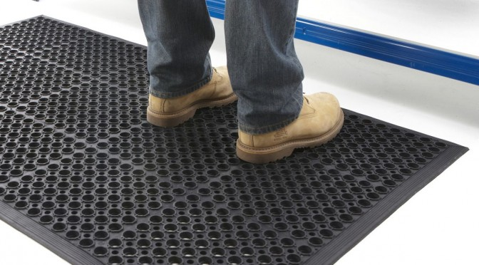 Data Center Floor Mats : Why rubber mats work so well